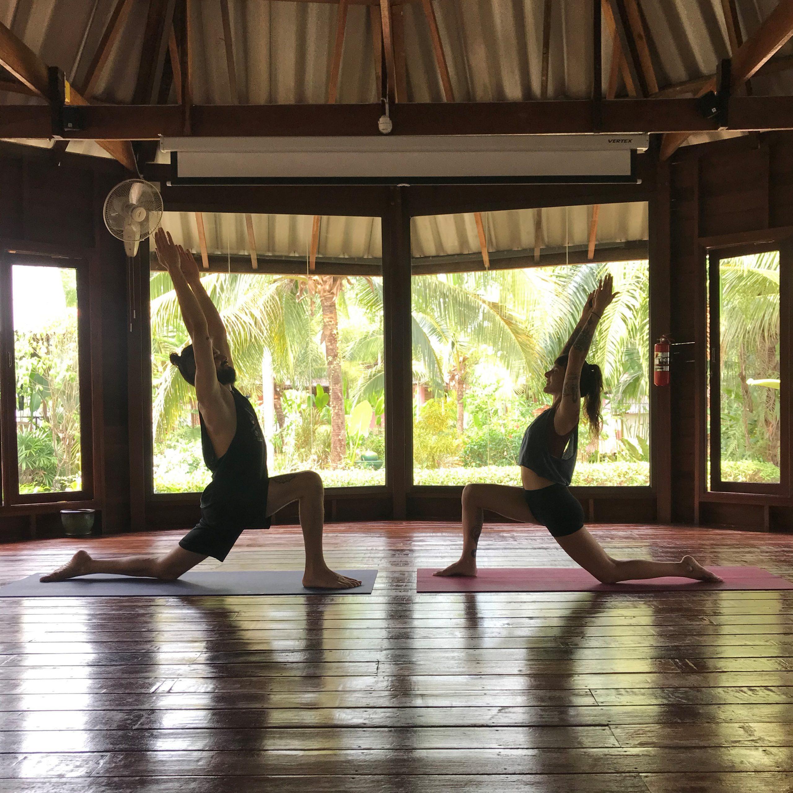 Partner-Yoga-OM-LOVE